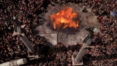 HBORome_Passover_Caesar_funeral_cremation.jpg